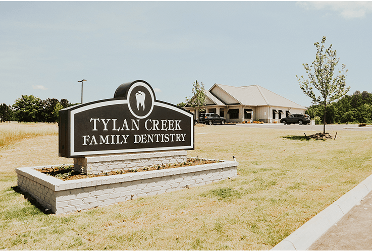 Tylan Creek Family Dentistry sign